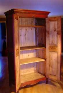 Meuble d 39 autrefois armoire quebecoise antique en pin for Meuble ordinateur ferme